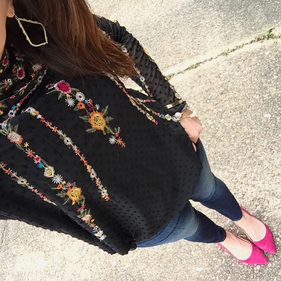 Outfit Details from Instagram user @karen.rock featuring a casual weekend outfit with a embroidered blouse and pink flats.