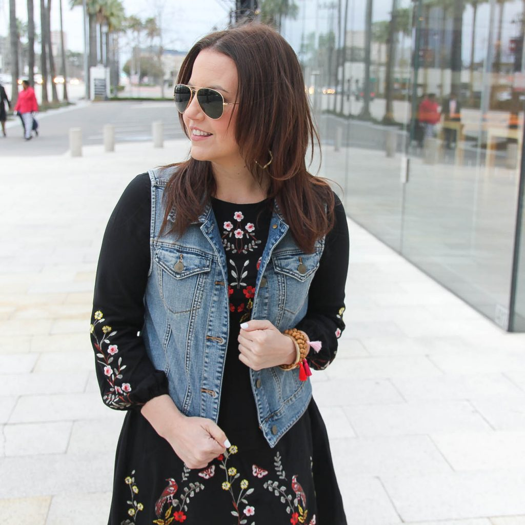 Karen Rock, a Houston Fashion Blogger shares what to wear to the rodeo including denim.
