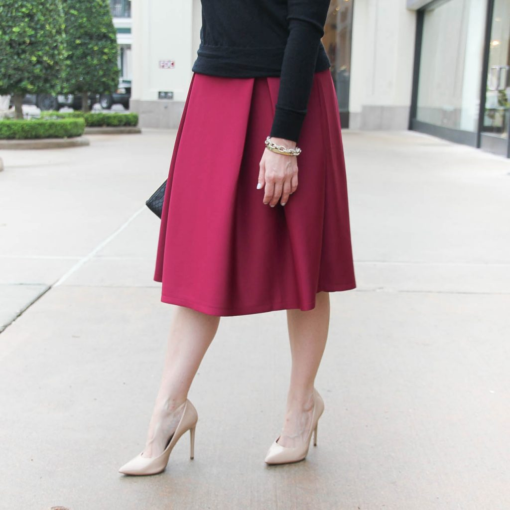 Lady in Violet, a Houston Style blogger shares what shoes to wear with midi skirts if petite.