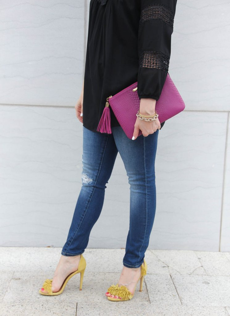 Lady in Violet, a Houston blogger shares what to wear with distressed jeans and yellow heels.