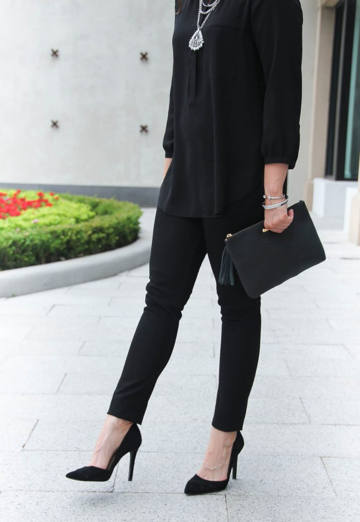 Fall Outfit | Comfortable Black Heels | Black Skinny Jeans | Statement Necklace | Lady in Violet | Houston Fashion Blogger