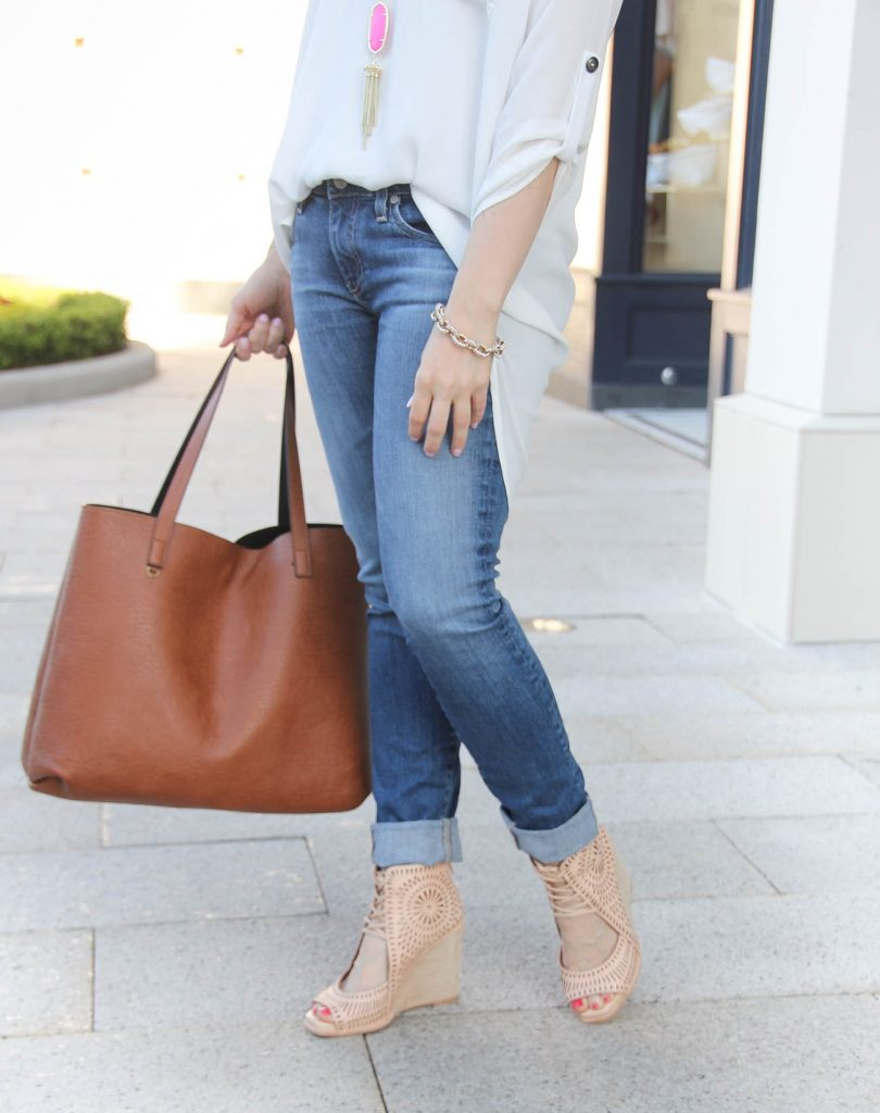 Spring Outfit | Cuffed Skinny Jeans | Neutral Wedges | Brown Tote Bag | Lady in Violet | Houston Fashion Blogger