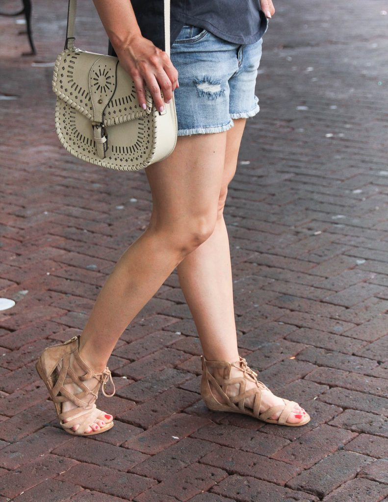 Comfortable Sandals for Walking all day | Lady in Violet | Houston style Blogger