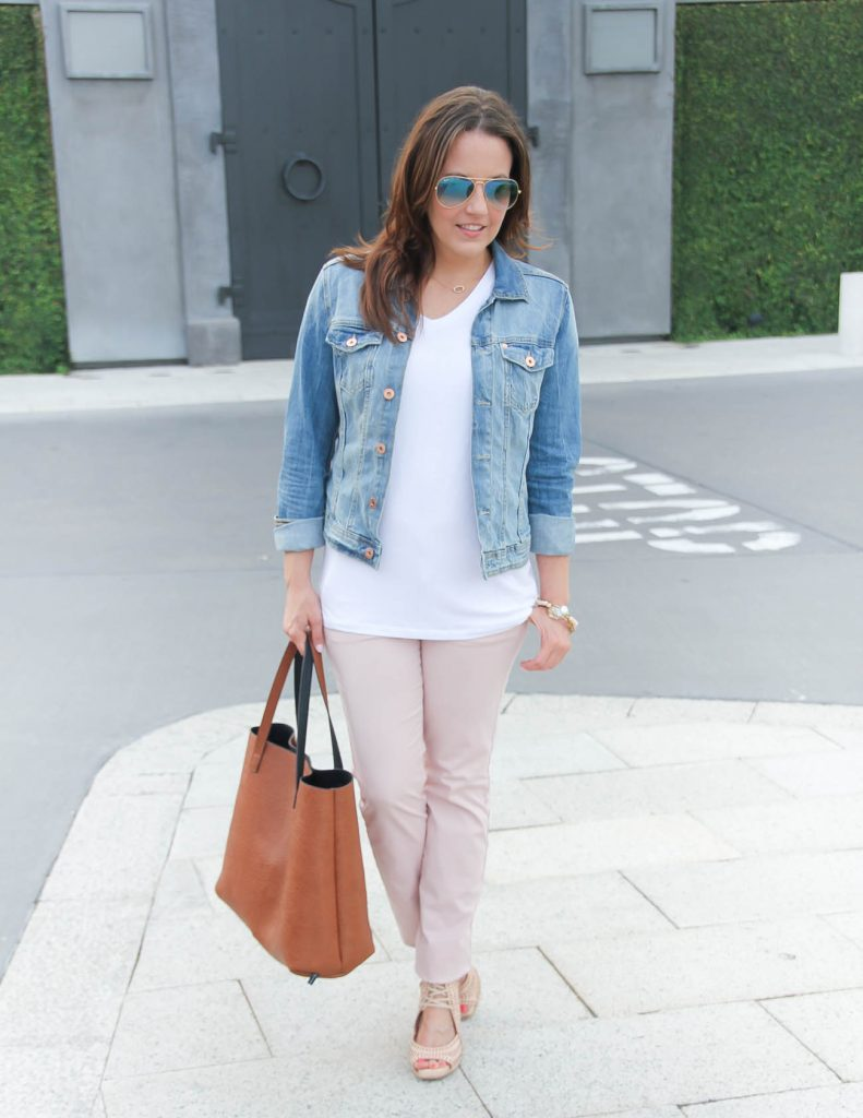 Casual Outfit | White Tee | Pink Cotton Pants | Wedge Sandals | Lady in Violet
