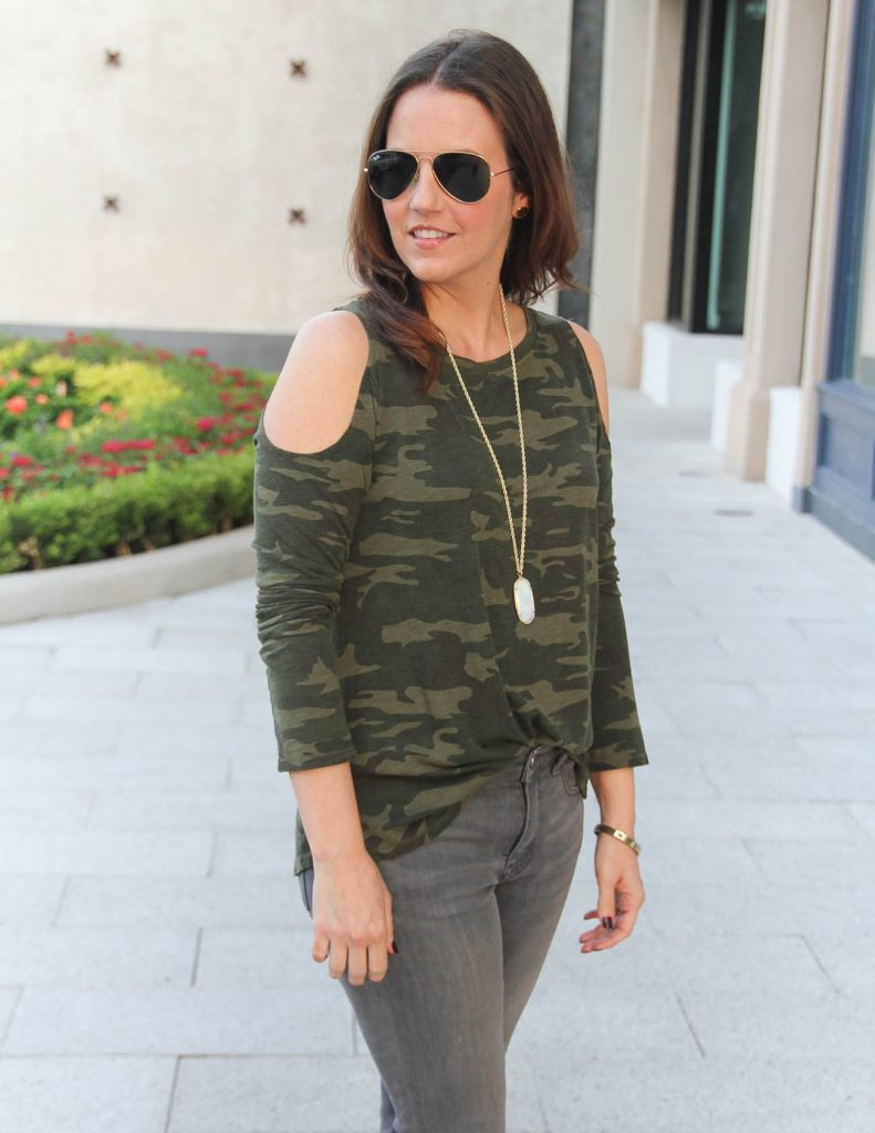 Casual Fall Outfit | Camo Top for Women | Houston Fashion Blogger