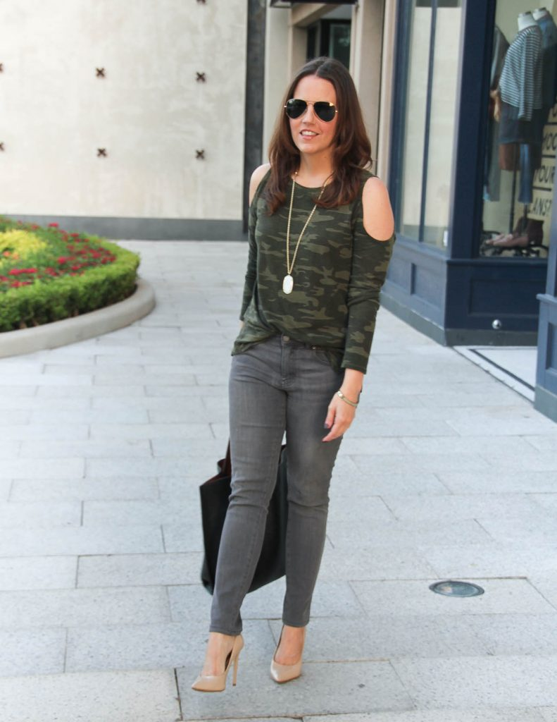 How to Wear Camo Tee | Fall Outfit Idea | Houston Fashion Blogger Lady in Violet