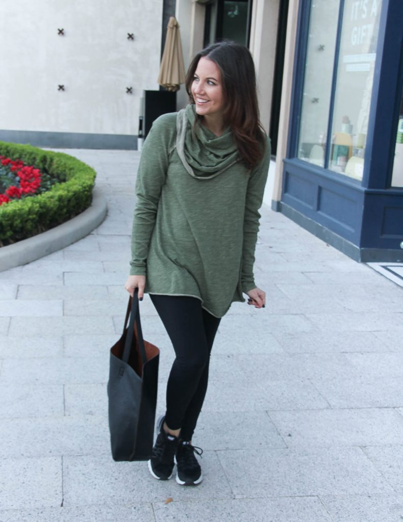 Athleisure Travel Outfit | Olive Lightweight Pullover | Black Leggings | Houston Fashion Blogger Lady in Violet