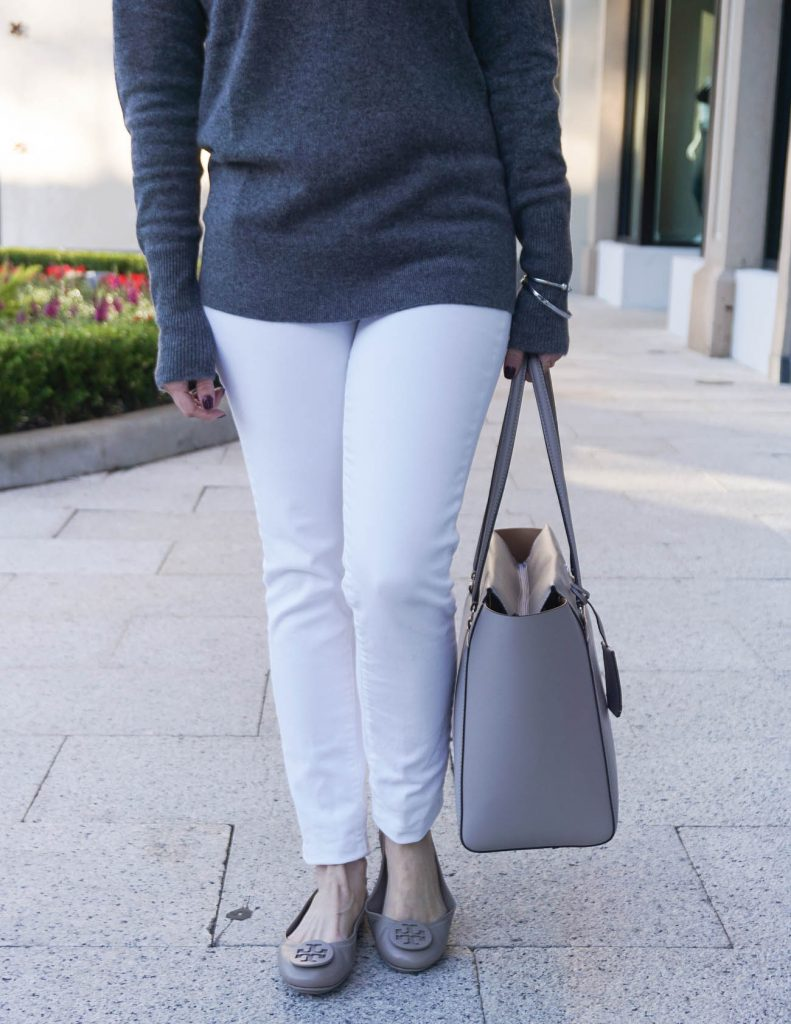 Casual Outfit | White Jeans | Tory Burch Flats | Houston Fashion Blogger Lady in Violet