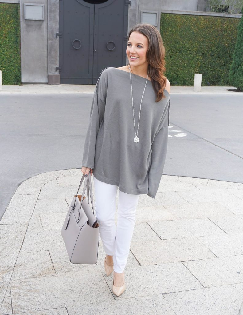 Casual Outfit | Oversized Sweater | Skinny Jeans | Houston Fashion Blogger Lady in Violet