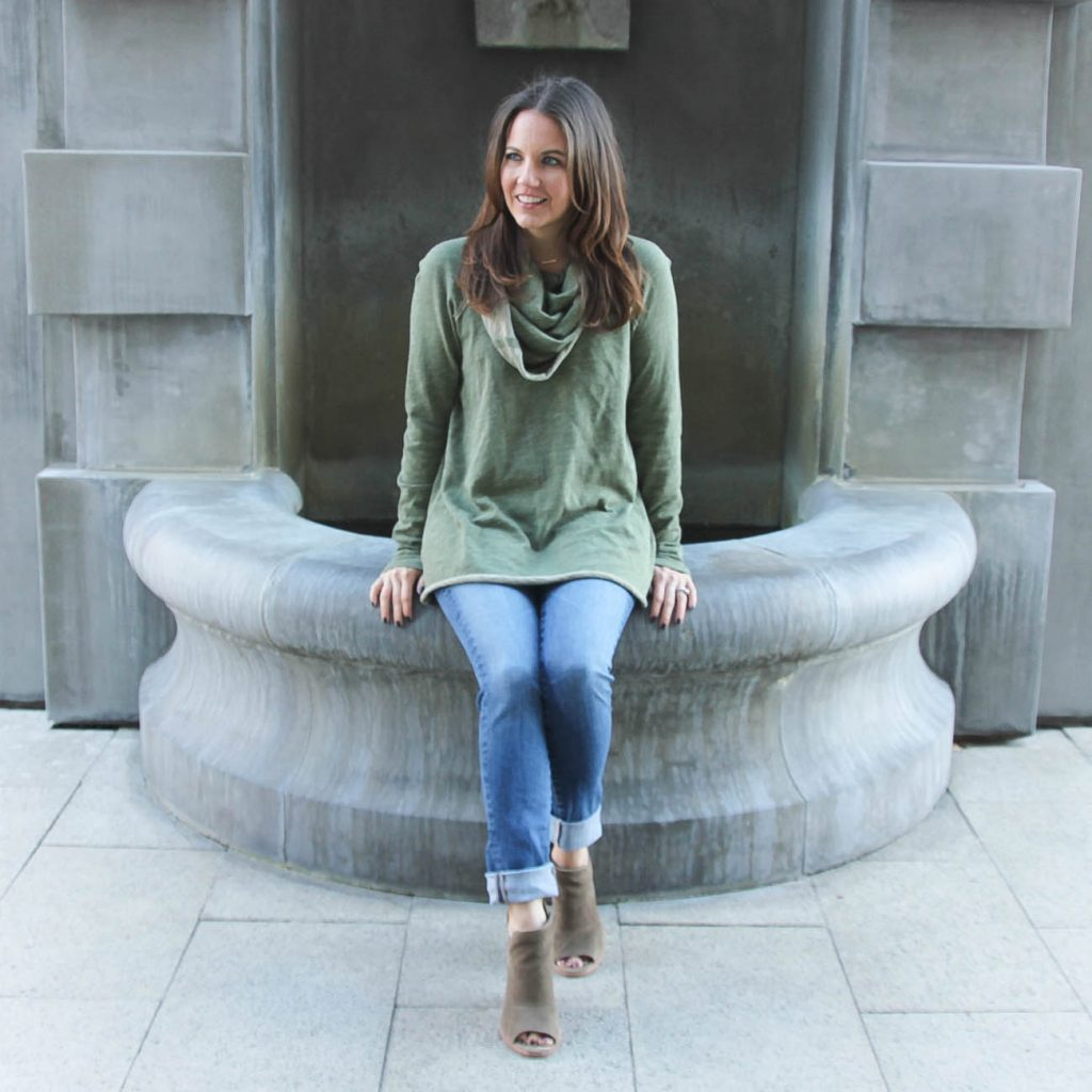 Casual Outfit | Green Pullover | Cuffed Jeans | Houston Fashion Blogger Lady in Violet