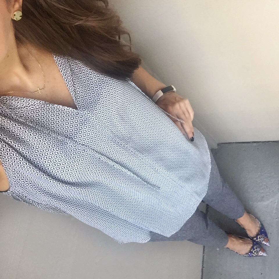 Work Outfit | Gray Top | Gray Ankle Pants | Houston Fashion Blogger Lady in Violet