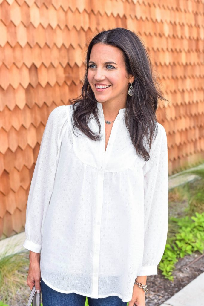 Casual outfit | white bib blouse | kendra scott jewelry | Houston Fashion Blogger Lady in Violet