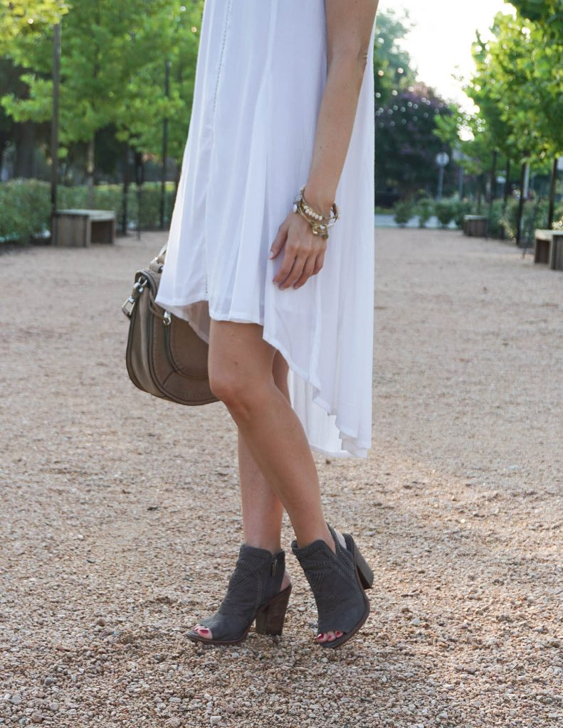 what to wear to outdoor festival| white cotton dress | peep toe booties | Houston Fashion Blogger Lady in Violet