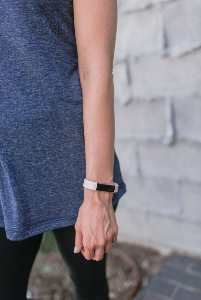 Fitbit alta hr review | fitbit wristbands | fitness blogger | Houston Lifestyle Blog Lady in Violet