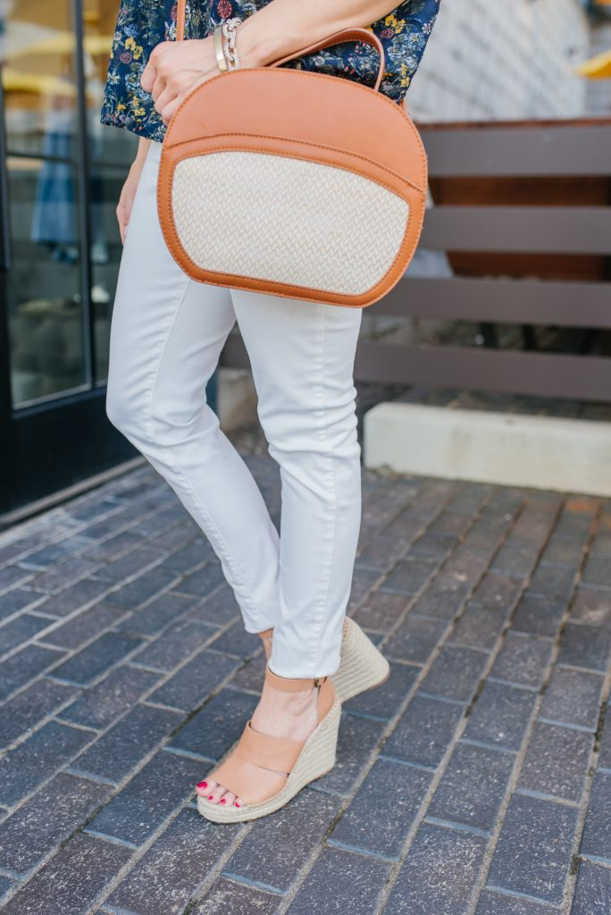 summer outfit | best white skinny jeans | espadrille wedge sandals | Houston Fashion Blogger Lady in Violet