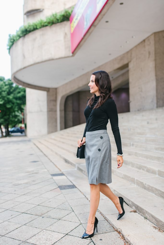 Fall work outfit | striped pencil skirt | black turtleneck | Houston Fashion Blogger Lady in Violet