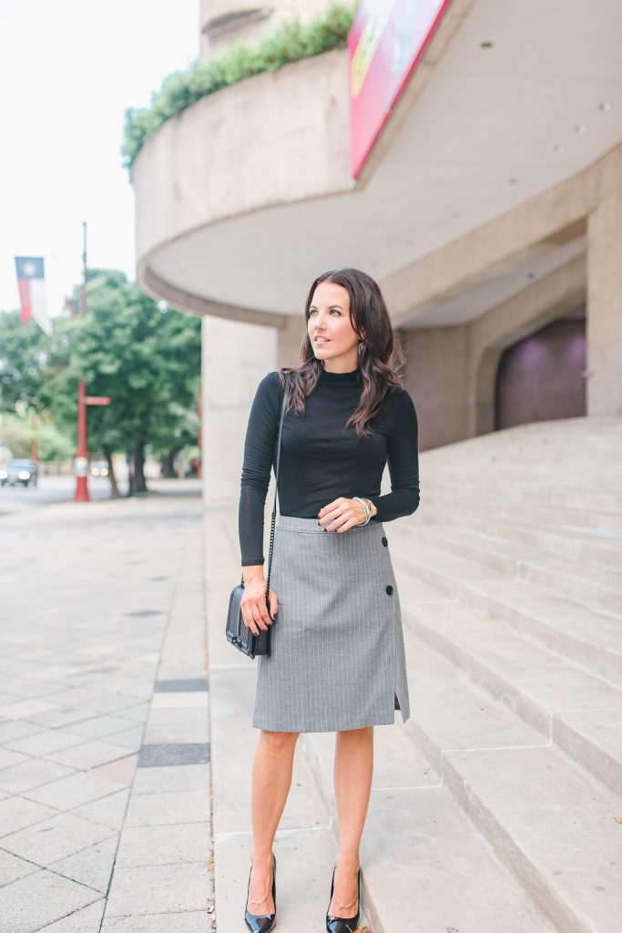fall work outfit | black turtleneck | gray pencil skirt | Houston Fashion Blogger Lady in Violet