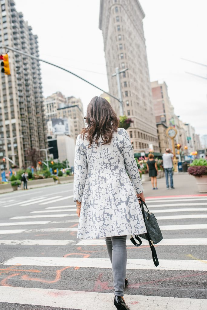 fall outfit | floral statement coat | gray skinny jeans | flat iron district nyc | Houston Fashion Blogger Lady in Violet