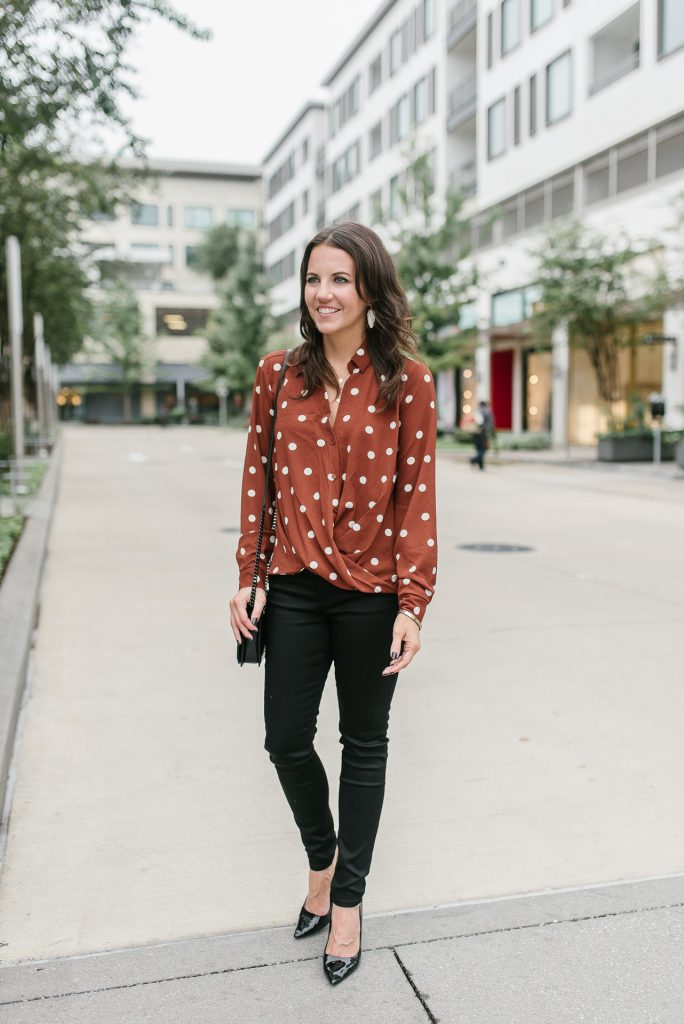 Fall casual outfit | long sleeve polka dot blouse | black skinny jeans | Houston Fashion Blogger Lady in Violet
