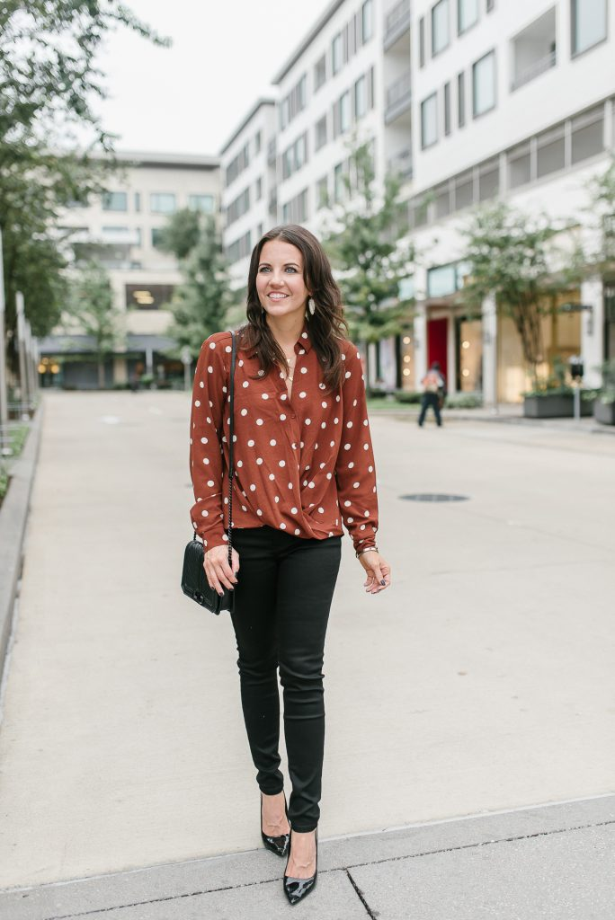 fall casual outfit | polka dot top | black skinny jeans | Houston Fashion Blogger Lady in Violet