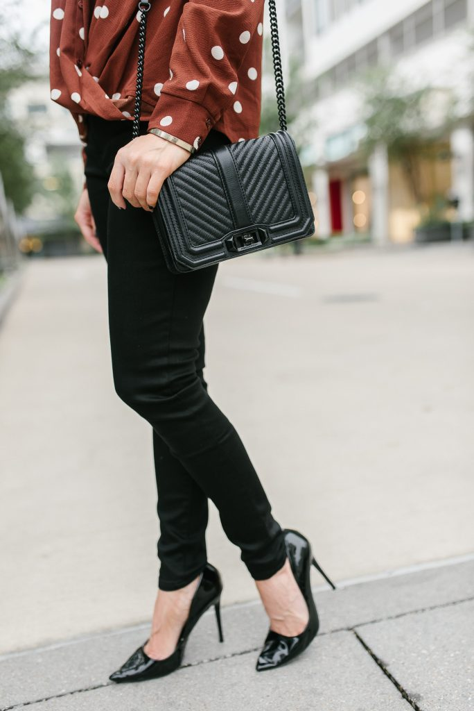Fall outfit | black skinny jeans | black patent heels | Houston Fashion Blogger Lady in Violet