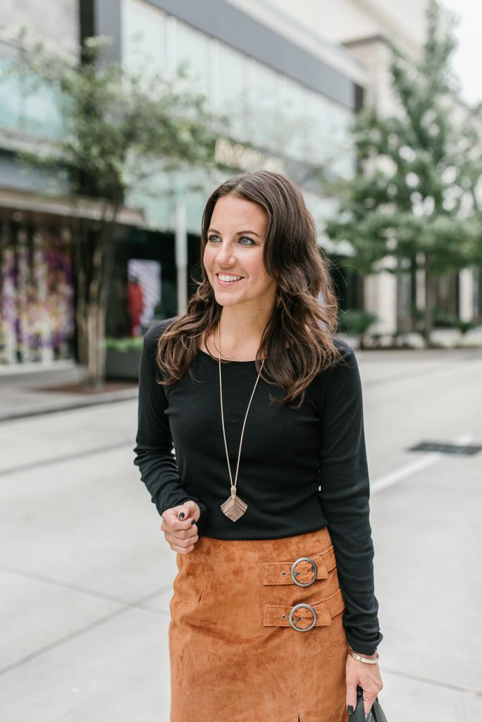work outfit | black tee | rose gold necklace | Houston Fashion Blogger Lady in Violet