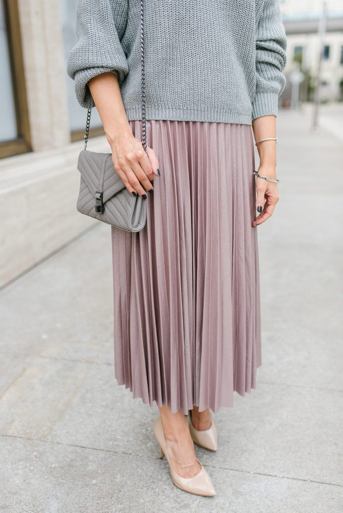 Work outfit | pink pleated midi skirt | gray quilted crossbody bag | Houston Fashion Blogger Lady in Violet