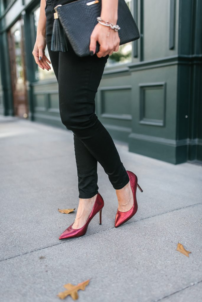 casual fall outfit | red metallic heels | black skinny jeans | Houston Fashion Blogger Lady in Violet