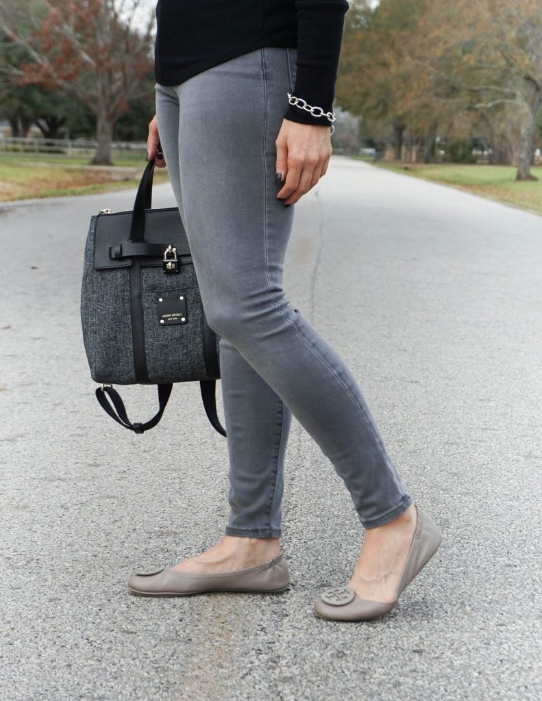 fall outfit | gray skinny jeans | tory burch flats | Petite Fashion Blogger Lady in Violet