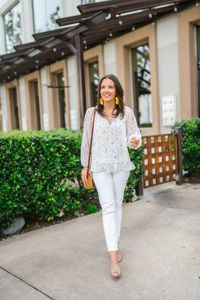 spring outfit ideas | floral top | white skinny jeans | Houston Fashion Blogger Lady in Violet