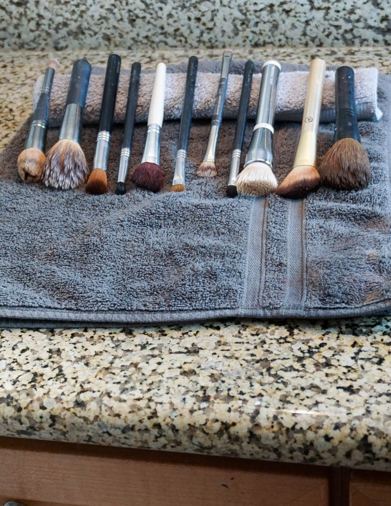 how to clean makeup brushes quickly | Houston Beauty Blogger Lady in Violet