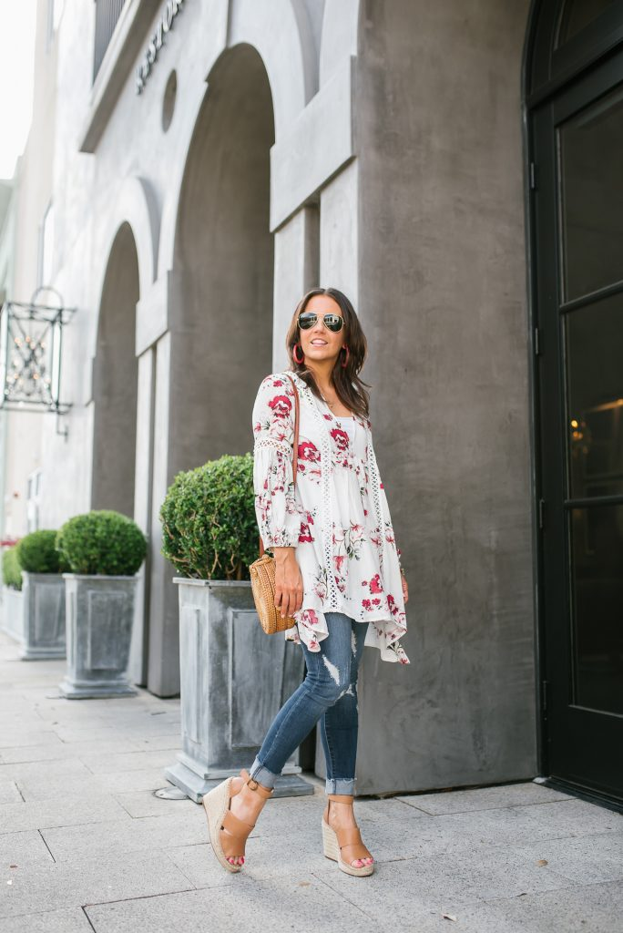 casual outfit | floral tunic | distressed denim | Petite Fashion Blogger Lady in Violet
