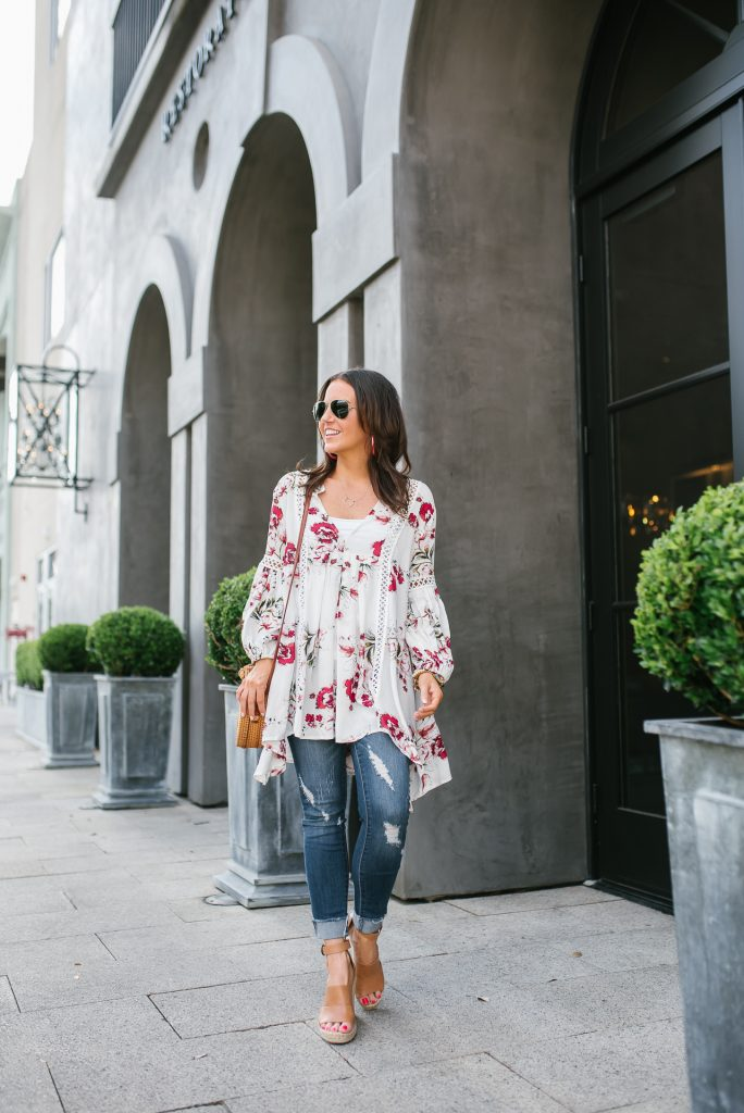 Summer outfit | white floral tunic top | cuffed skinny jeans | Houston Fashion Blogger Lady in Violet