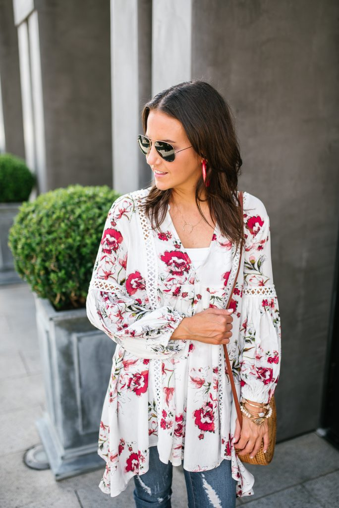 casual outfit | floral tunic top | pink statement earrings | Petite Fashion Blogger Lady in Violet