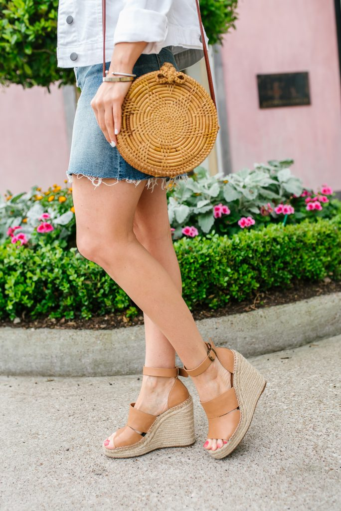 summer outfit | brown wedge sandals | circle straw purse | Petite Fashion Blogger Lady in Violet