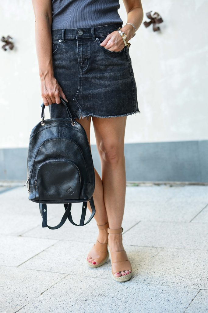 summer outfit | black leather backpack | brown wedges | Petite Fashion Blogger Lady in Violet