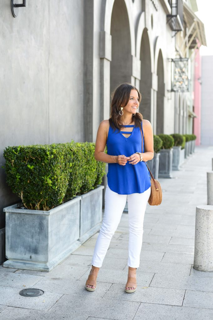 summer outfit | blue tank top | white skinny jeans | Petite Fashion Blogger Lady in Violet