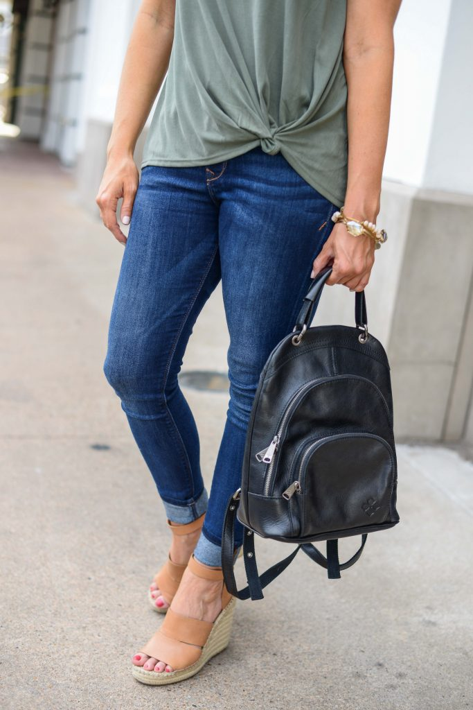 casual style | dark blue skinny jeans | brown espadrille wedges | Casual Fashion Blog Lady in Violet