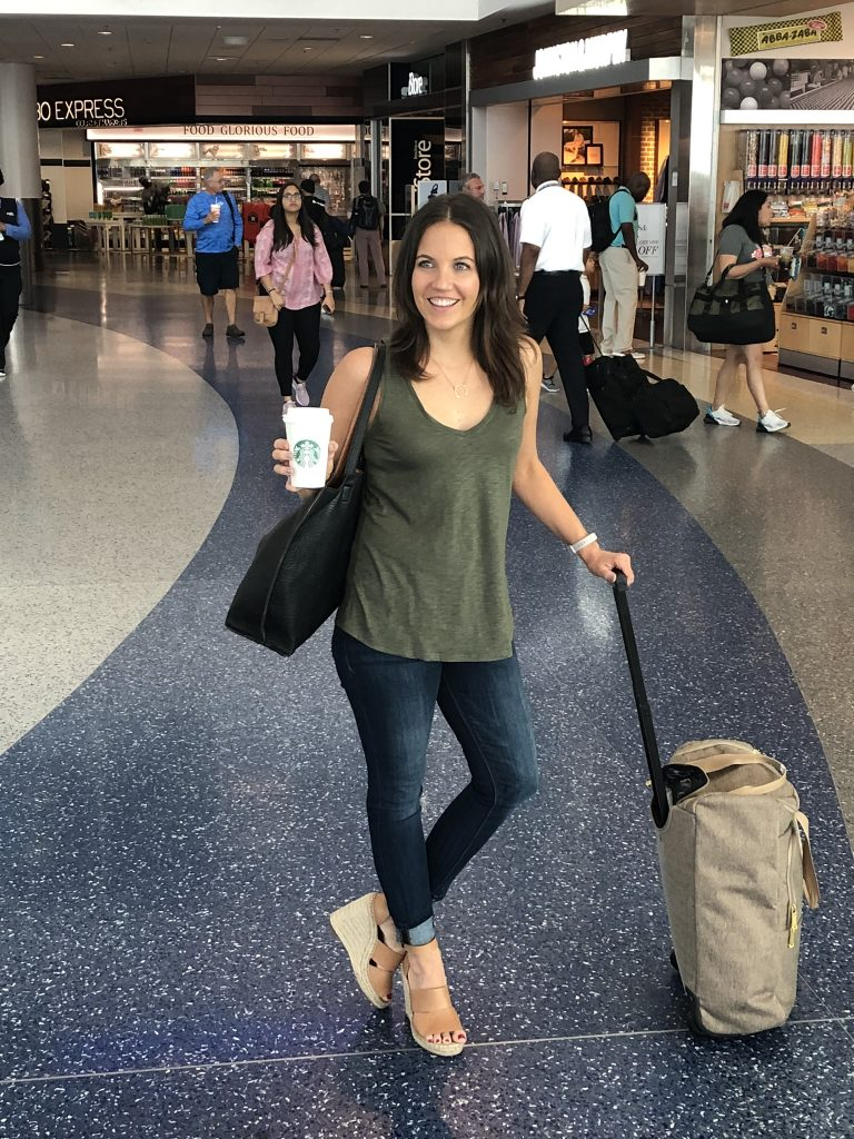 summer airport travel outfit | olive green tank top | dark black tote bag | Popular Fashion Blogger Lady in Violet