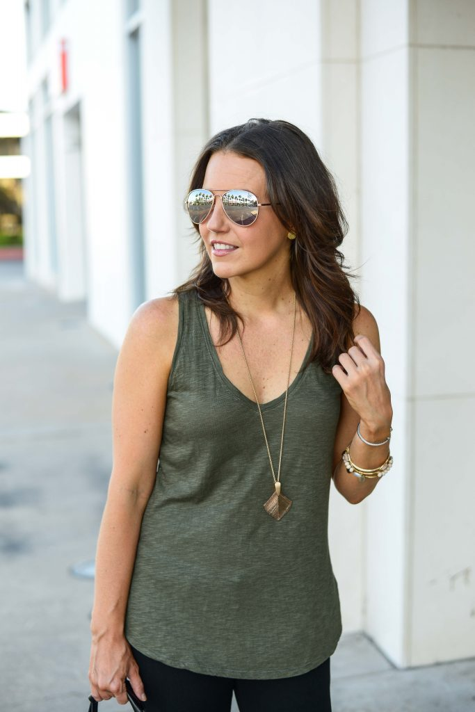 summer outfit | rose gold aviators sunglasses | green sleeveless tank top | Houston Fashion Blogger Karen Kocich