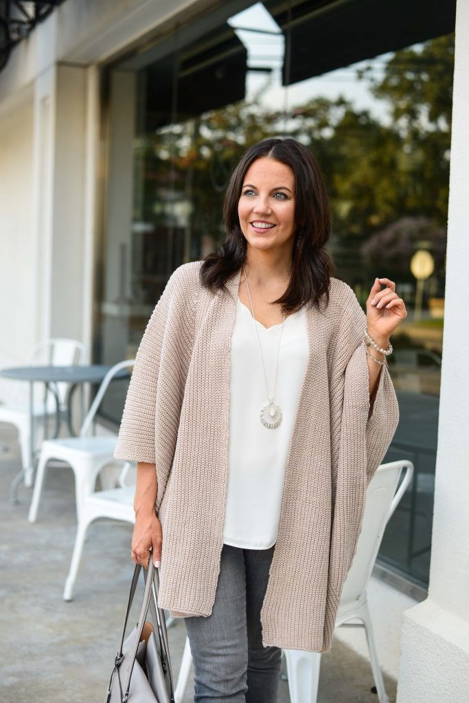 casual outfit | blush pink oversized cardigan | ivory cami top | Petite Fashion Blog Lady in Violet