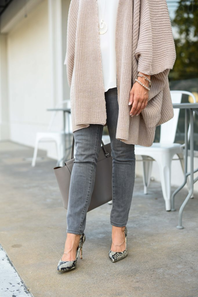 spring outfit | gray skinny jeans | snakeskin heels | Petite Fashion Blog Lady in Violet