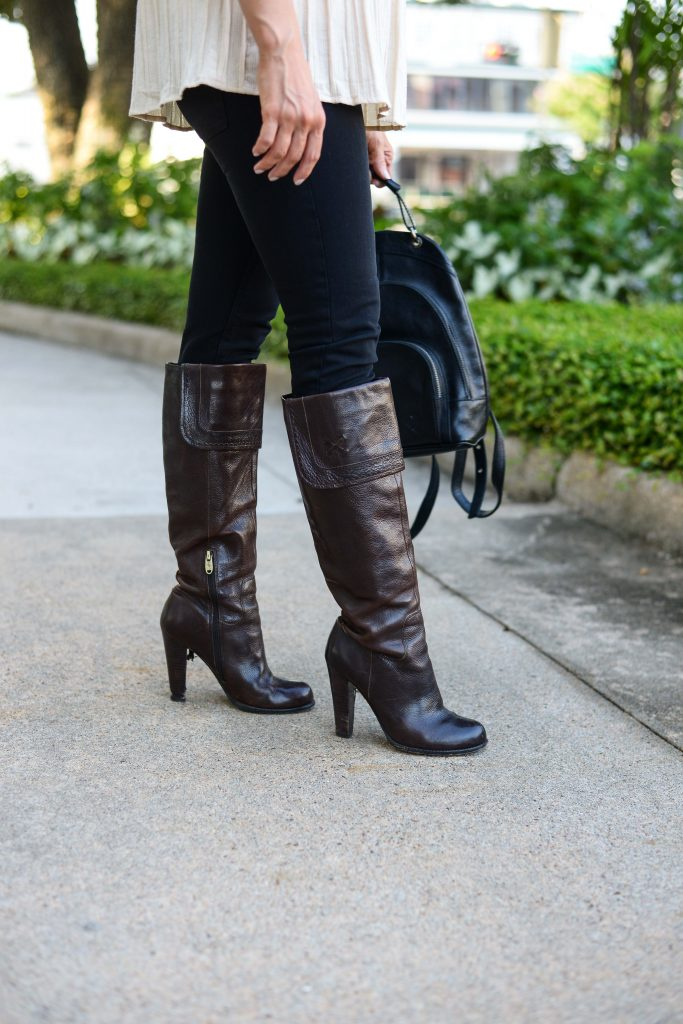 casual outfit | dark brown leather boots | black skinny jeans | Affordable Fashion Blog Lady in Violet