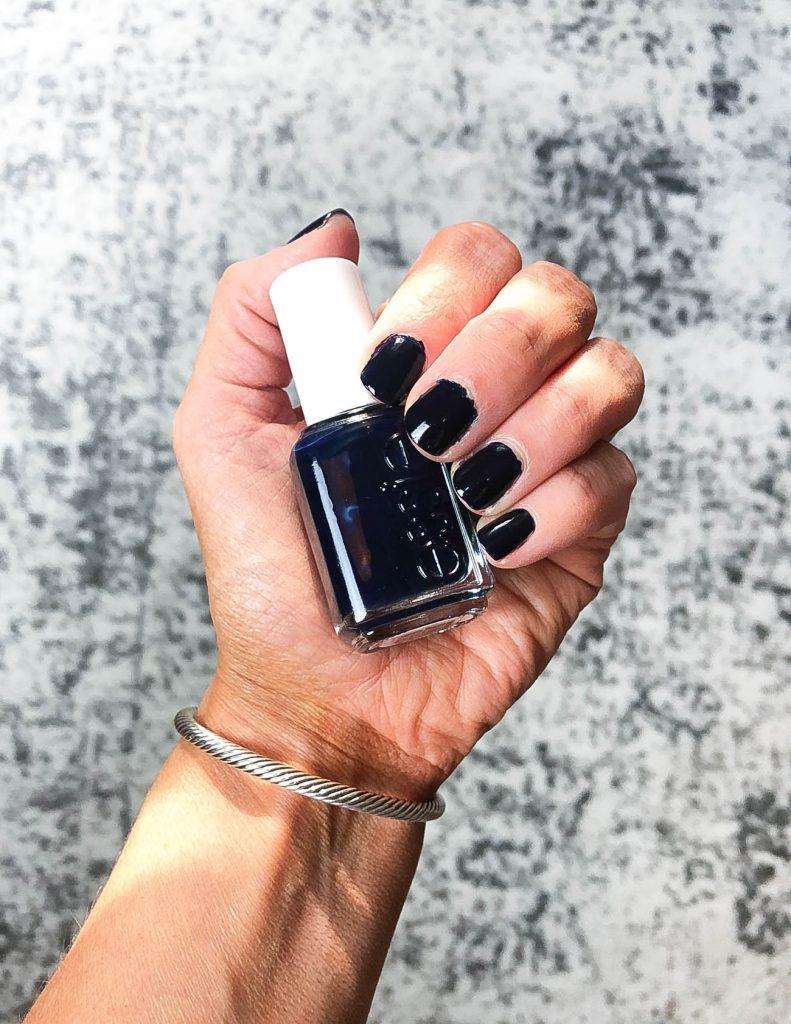 dark navy nail polish | popular fall nail colors | essie nail polish | Houston Beauty Blogger Lady in Violet