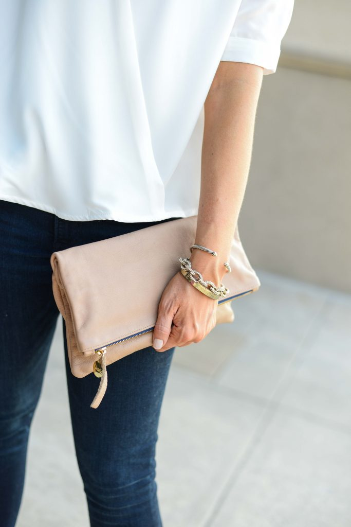 spring casual outfit | nude colored clutch | stacked bracelets | Everyday Fashion Blog Lady in Violet