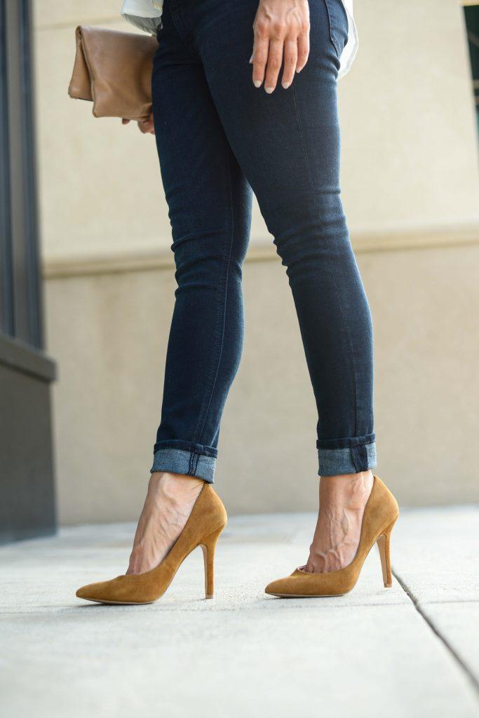 fall fashion | dark wash cuffed skinny jeans | tan brown suede heels | Casual Fashion Blog Lady in Violet