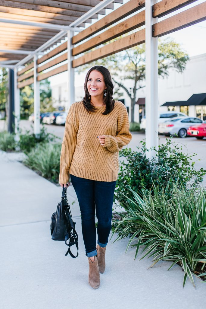 casual fall outfit | tan brown sweater | dark blue cuffed denim | Everyday Fashion Blog Lady in Violet