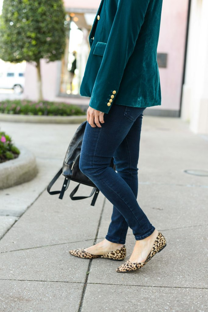 casual outfit | leopard print flats | dark wash skinny jeans | Petite Fashion Blog Lady in Violet