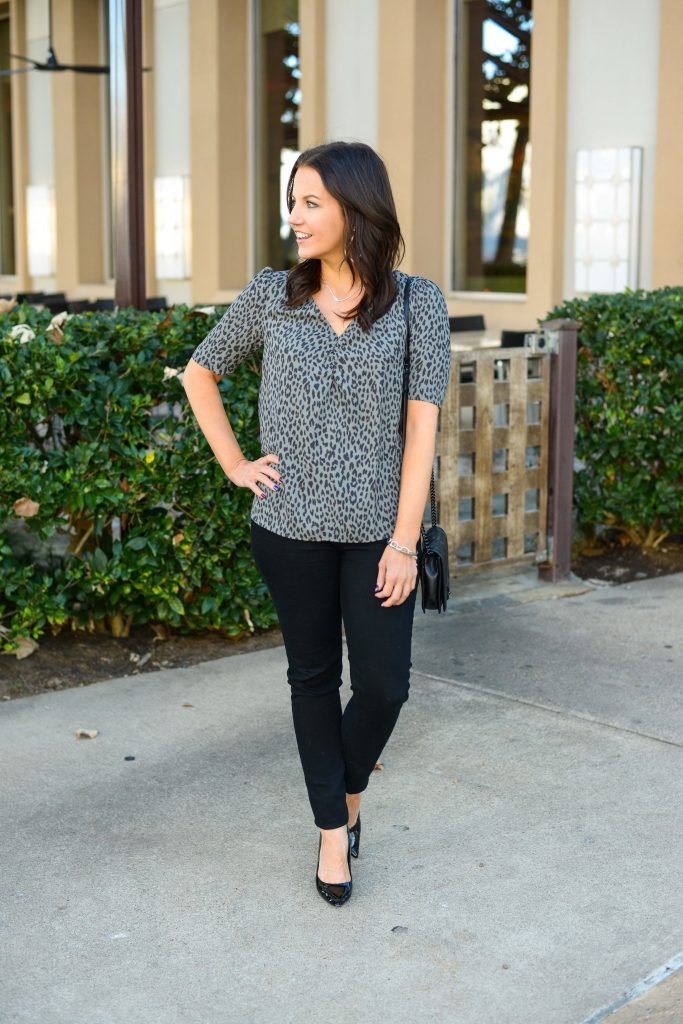 fall outfits | short sleeve leopard top with black skinny jeans | Daily Style Blog Lady in Violet