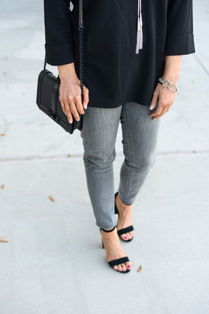 spring outfit | gray skinny jeans with black sandals | Casual Fashion Blog Lady in Violet
